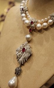 a-close-up-of-the-pendant-of-the-la-peregrina-necklace